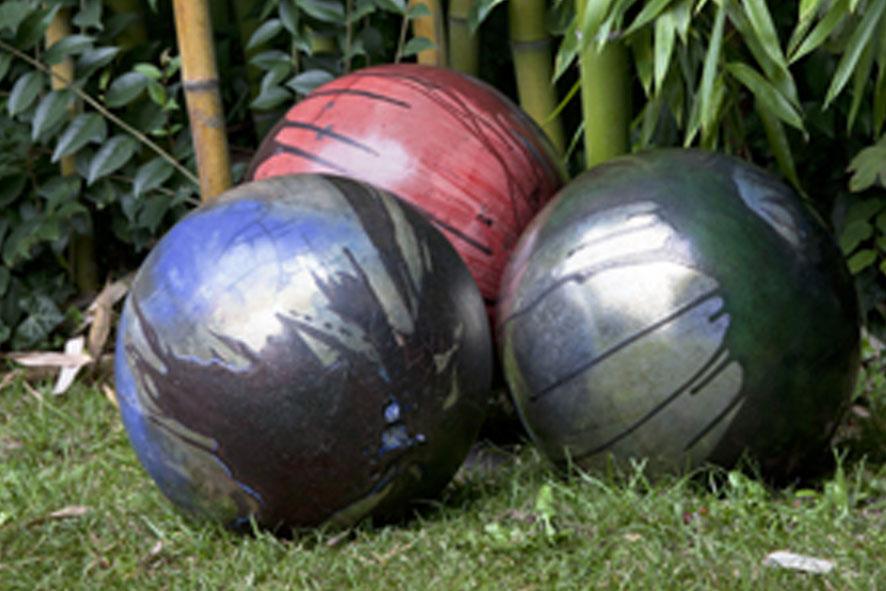SFERE: Sfere in ceramica Raku ispirate agli elementi. Ø 40 cm